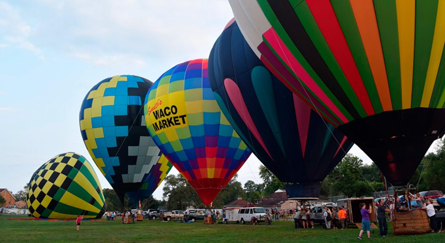 Hot Air Balloon Rides: A Guide to Flights & Festivals ...