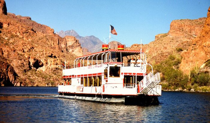 Canyon Lake Steamboat Dinner Cruise Xperience Days