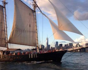 New York Burlesque Sail
