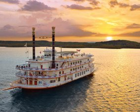 Branson Showboat Dinner Cruise