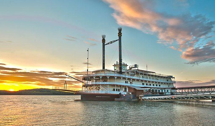 Branson Showboat Dinner Cruise