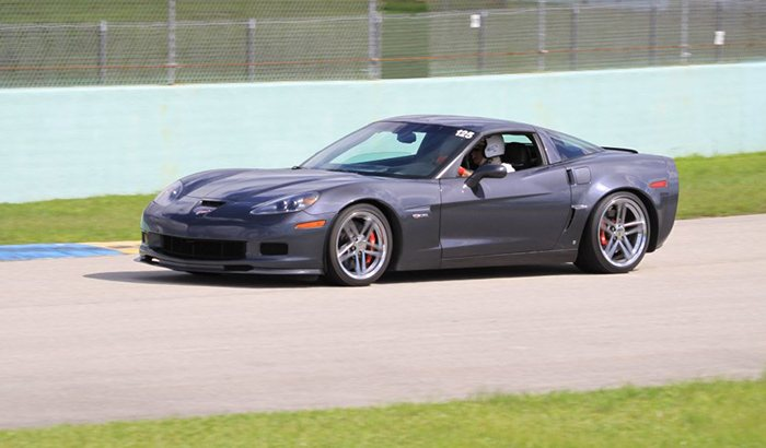 Corvette Racing Experience Unique Gifts From Xperience Days - Sport car driving