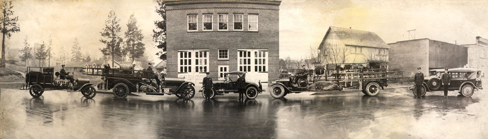 Vintage-Photo-of-the-Bend-Fire-Department-Panoramic-2